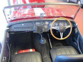 Прикрепленное изображение: 1955 Triumph TR2-03.JPG