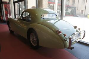 Прикрепленное изображение: 1952 Jaguar XK120 FHC-03.JPG
