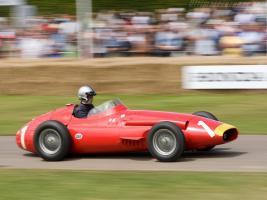 Прикрепленное изображение: Maserati-250F-T2-frontside_1_1024x1024_resize.jpg