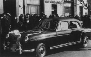 Прикрепленное изображение: Mercedes-Benz 219.jpg