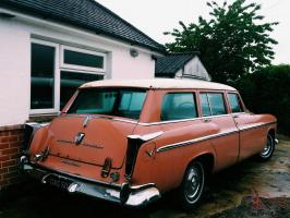 Прикрепленное изображение: Chrysler Windsor Town & Country Wagon - 1955.03.jpg