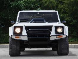 Прикрепленное изображение: Lamborghini LM002 - 1984. 01.jpg