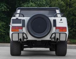Прикрепленное изображение: Lamborghini LM002 - 1984. 02.jpg