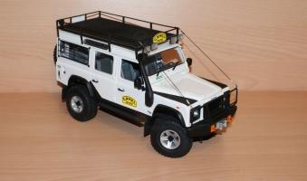 Прикрепленное изображение: diecast-land-rover-defender-110-tdi-universal-hobbies (1).jpg