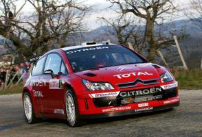 Прикрепленное изображение: 2007 Citroen C4 WRC-Sebastien Loeb-Daniel Elena 3.jpg