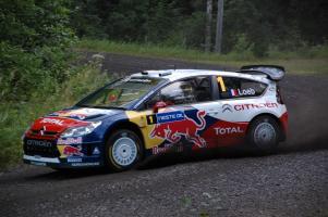 Прикрепленное изображение: Sebastien_Loeb_-_Rally_Finland_2009.JPG