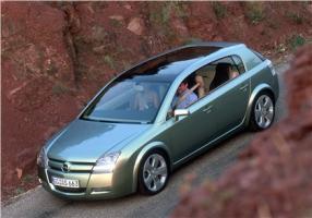 Прикрепленное изображение: 2001-Opel-Signum2-Concept-01.jpg