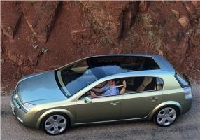 Прикрепленное изображение: 2001-Opel-Signum2-Concept-02.jpg
