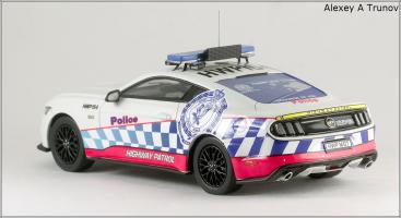 Прикрепленное изображение: 2016 Ford Mustang GT NSW (New South Wales Police Force) - Trax - TRR41C - small_2.jpg