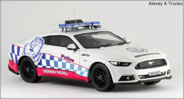 Прикрепленное изображение: 2016 Ford Mustang GT NSW (New South Wales Police Force) - Trax - TRR41C - small_4.jpg