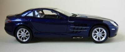 Прикрепленное изображение: CMC-M-045D-mercedes-Benz-SLR-McLaren-2003-Fabrice-Lachavanne.jpg