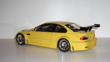 Прикрепленное изображение: BMW_M3GTR_04.JPG