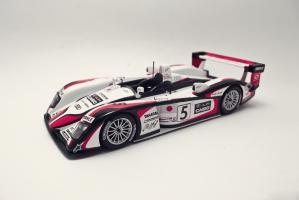 Прикрепленное изображение: Audi R8 Le Mans 2004.jpg