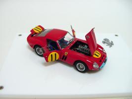 Прикрепленное изображение: Ferrari 250 GTO 4399GT Tourist Trophy 1963 G. Hill_1.jpg