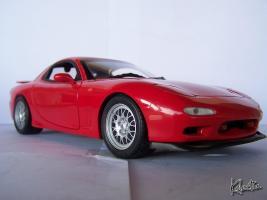 Прикрепленное изображение: 1 18 Kyosho Mazda RX 7 FD3S 1995 Vintage Red - 128.jpg