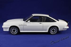 Прикрепленное изображение: Opel Manta GT-E Revell 08422_02.jpg
