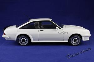 Прикрепленное изображение: Opel Manta GT-E Revell 08422_03.jpg