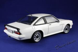 Прикрепленное изображение: Opel Manta GT-E Revell 08422_06.jpg