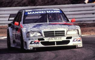 Прикрепленное изображение: mercedes-c-class-dtm-dario-franchitti-hochenhiem-1995-3069-p.jpg