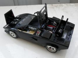 Прикрепленное изображение: Lamborghini Countach LP5000 S Quattrovalvole 1985-1989 (9).jpg