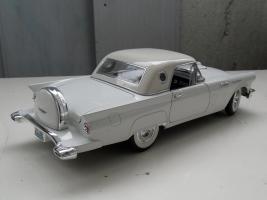 Прикрепленное изображение: Ford Thunderbird 1957 (2).jpg