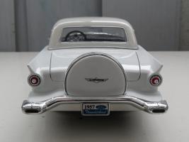 Прикрепленное изображение: Ford Thunderbird 1957 (5).jpg