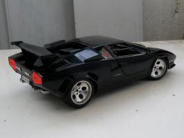 Прикрепленное изображение: Lamborghini Countach LP5000 S Quattrovalvole 1985-1989 (2).jpg