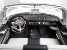 Прикрепленное изображение: Ford Thunderbird 1957 (8).jpg