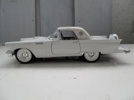 Прикрепленное изображение: Ford Thunderbird 1957 (3).jpg