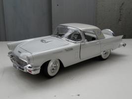 Прикрепленное изображение: Ford Thunderbird 1957 (1).JPG