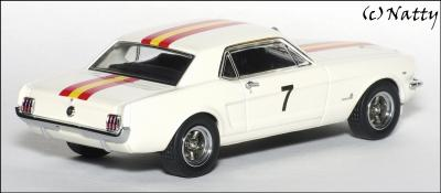 Прикрепленное изображение: 1966 Ford Mustang Bob Jane Winner Bathurst Easter Races - Apex Replicas - AR0203 - 3_small.jpg