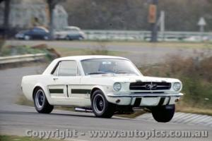 Прикрепленное изображение: Ian Pete Geoghegan Ford Mustang - Warwick Farm 1967 - Photographer Richard Austin.jpg