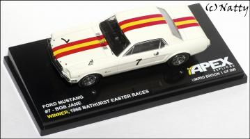 Прикрепленное изображение: 1966 Ford Mustang Bob Jane Winner Bathurst Easter Races - Apex Replicas - AR0203 - 1_small.jpg