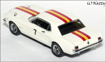 Прикрепленное изображение: 1966 Ford Mustang Bob Jane Winner Bathurst Easter Races - Apex Replicas - AR0203 - 4_small.jpg