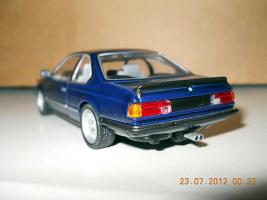 Прикрепленное изображение: Colobox_BMW_M635CSi_E24_Minichamps~02.jpg