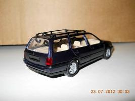 Прикрепленное изображение: Colobox_VW_Golf_A3_Variant_Schabak~02.jpg