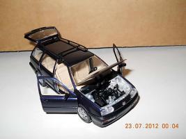 Прикрепленное изображение: Colobox_VW_Golf_A3_Variant_Schabak~03.jpg