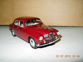 Прикрепленное изображение: Colobox_Alfa-Romeo_1900_Super_Polizia_M4~01.jpg