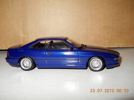 Прикрепленное изображение: Colobox_BMW_850i_E31_Minichamps~02.jpg