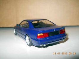 Прикрепленное изображение: Colobox_BMW_850i_E31_Minichamps~03.jpg