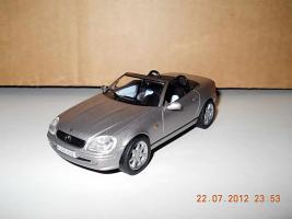 Прикрепленное изображение: Colobox_Mercedes-Benz_SLK_R170_Solido~01.jpg
