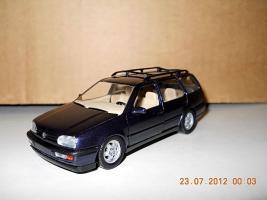 Прикрепленное изображение: Colobox_VW_Golf_A3_Variant_Schabak~01.jpg