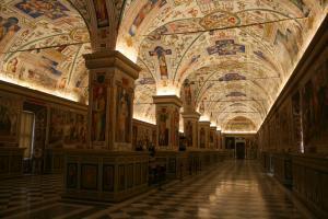 Прикрепленное изображение: IMG_ 035 - Музеи Ватикана. Ватиканская апостольская библиотека. Сикстинский салон.jpg