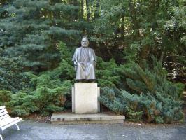 Прикрепленное изображение: 128 Памятник Карлу Марксу.JPG