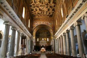 Прикрепленное изображение: IMG_ 061 - Интерьер базилики Санта-Мария-ин-Трастевере.jpg