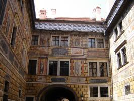 Прикрепленное изображение: 307 - Чешский Крумлов. Внутренний двор.JPG