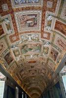 Прикрепленное изображение: IMG_ 031 - Музеи Ватикана. Зал географических карт.jpg