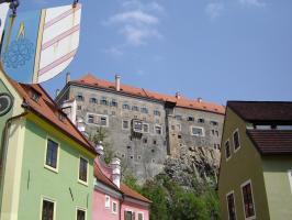 Прикрепленное изображение: 247 - Чешский Крумлов. Вид на замок из города.JPG