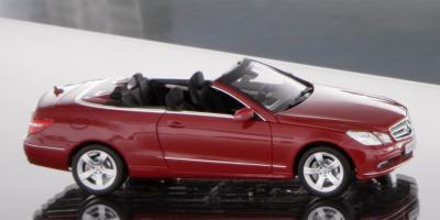 Прикрепленное изображение: 2010-Mercedes-E-Class-Cabrio-scale-model-1.jpg