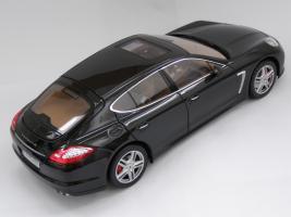 Прикрепленное изображение: Porsche Panamera Turbo (4).JPG